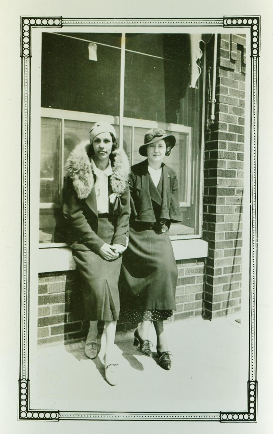 Helen Gaffney Jones Mantle & Maudie Dennis , May 1934
