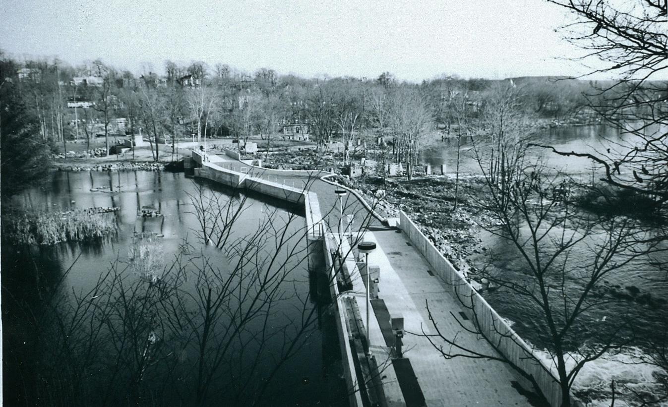 Present dam built in 1977