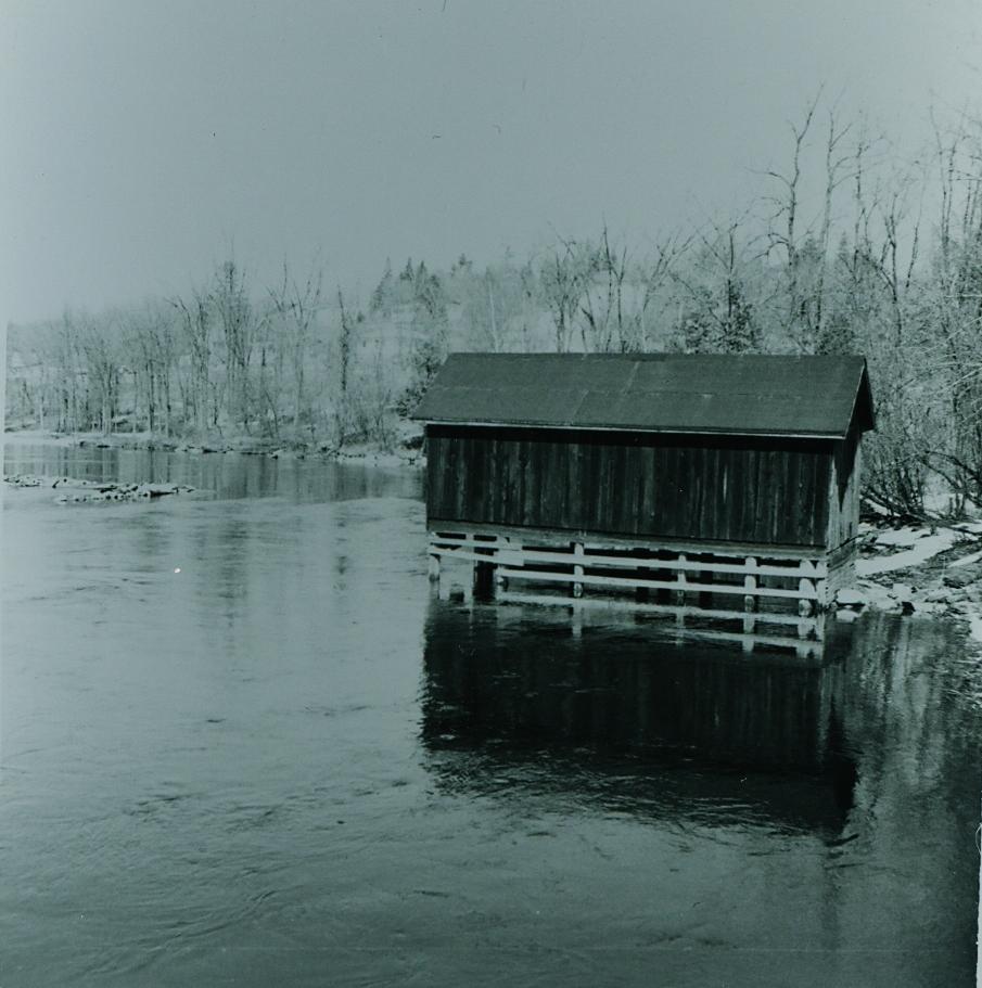 Crowe River  Boathouse.jpg