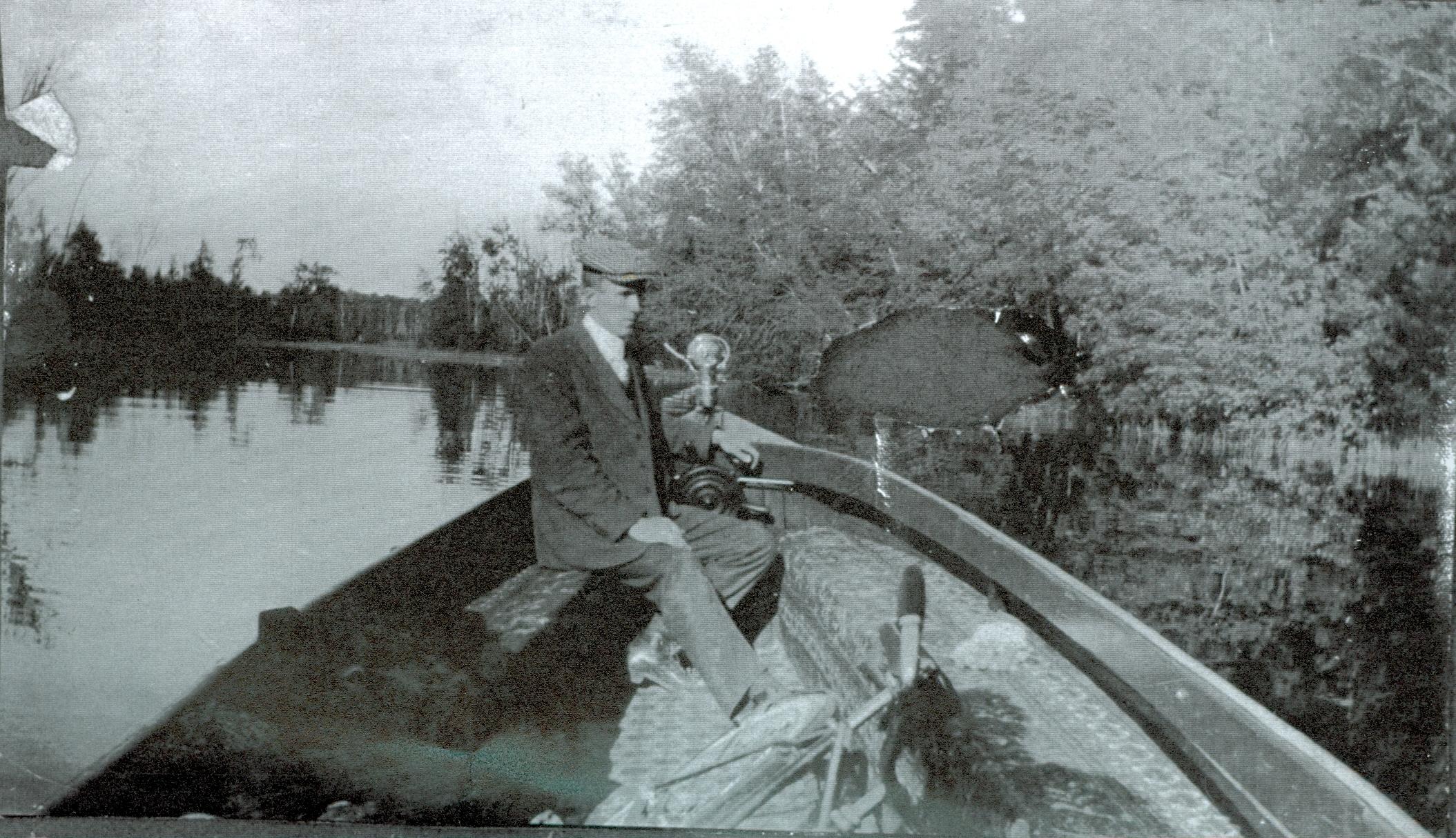 Boating Crowe River.jpg