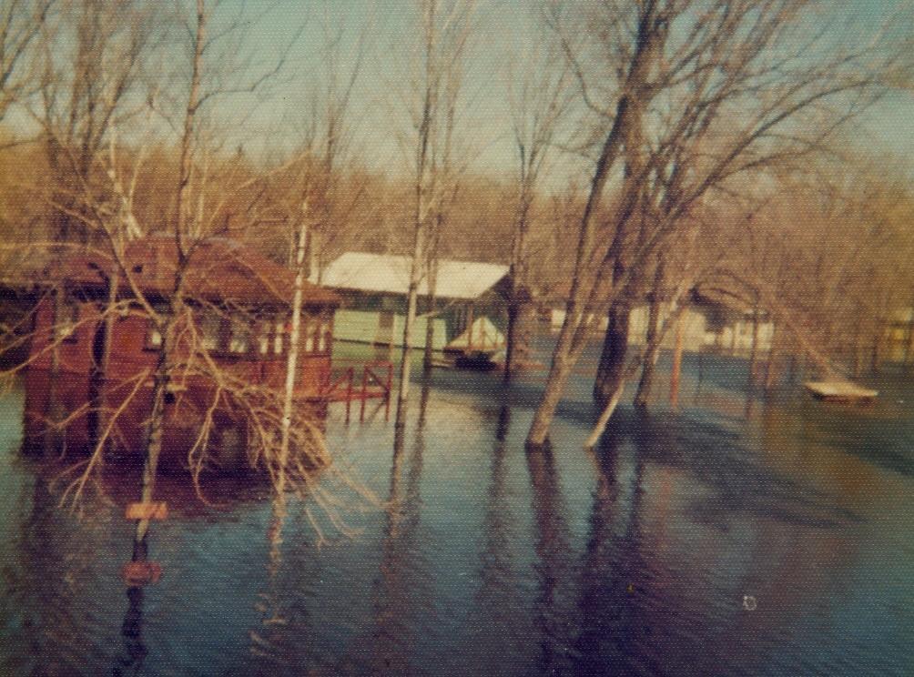 Peepy Horn Road,  Crow Lake