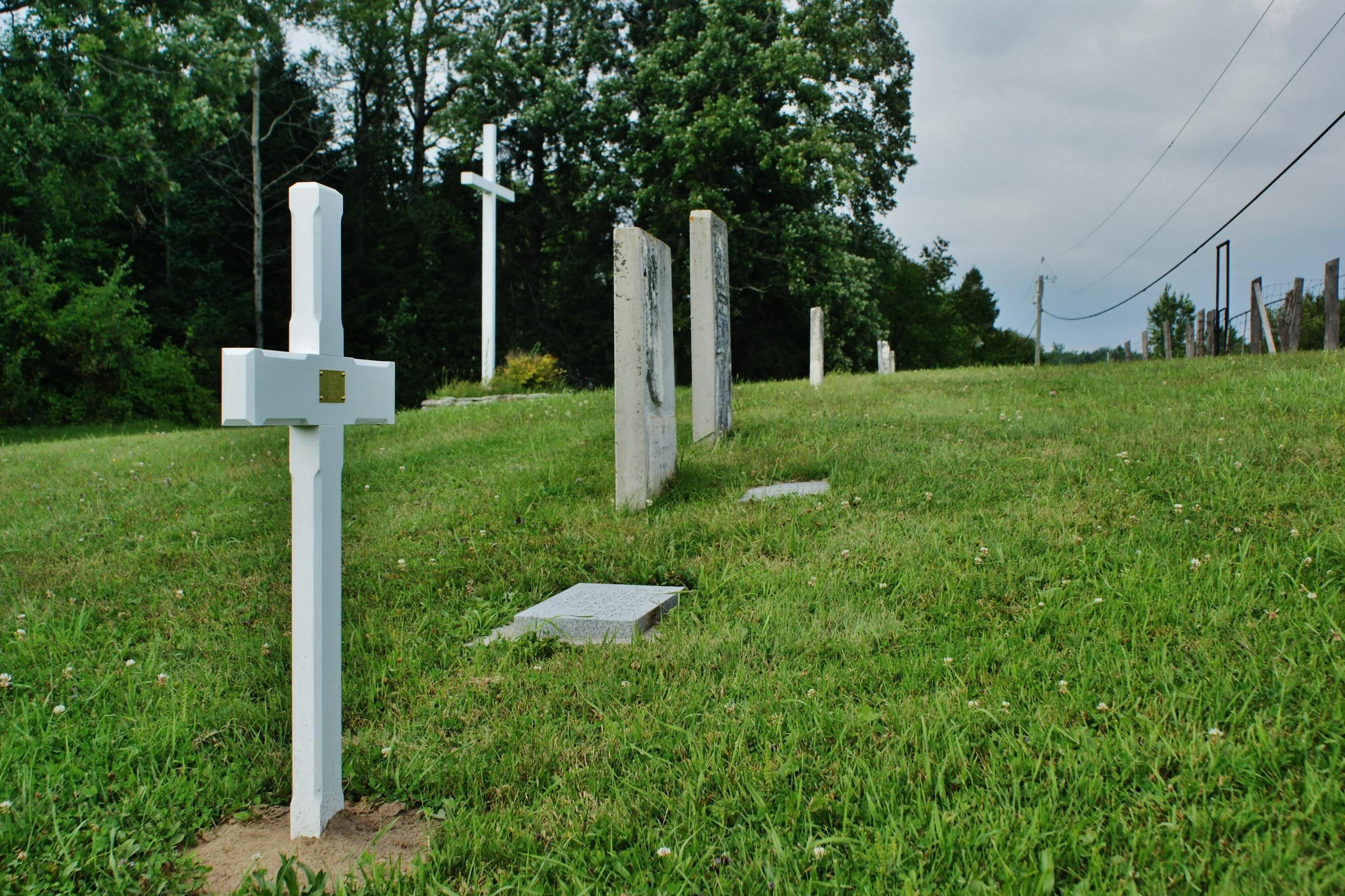 Hughes Cemetery, Centre Line Road (1).JPG