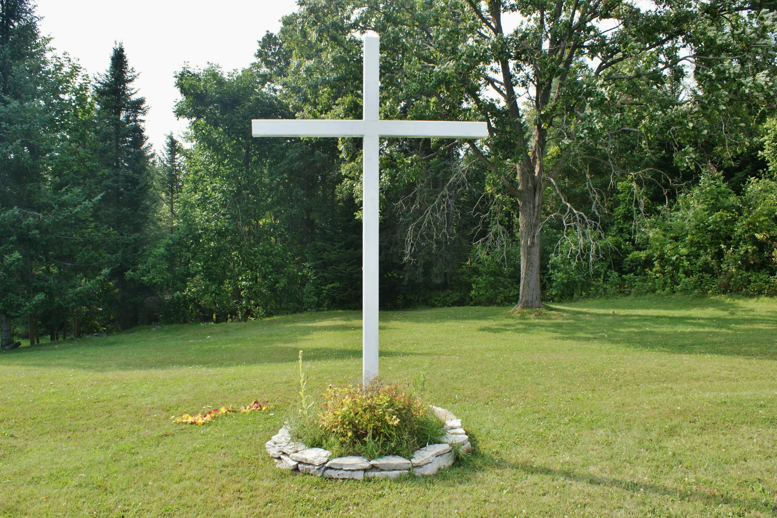 Hughes Cemetery, Centre Line Road (2).JPG