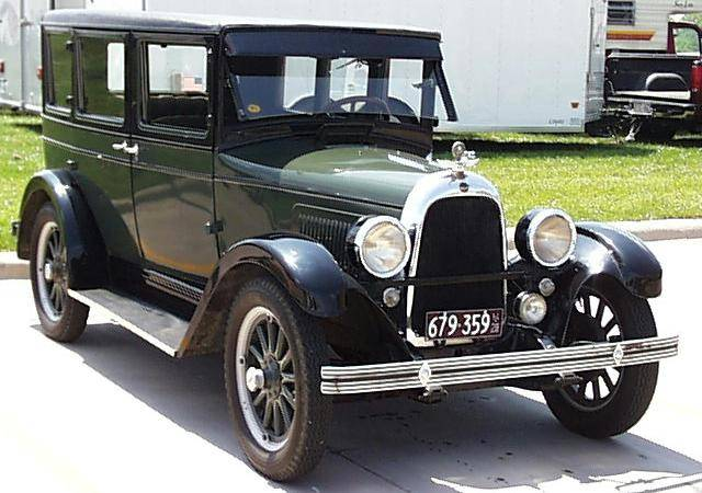 a photo of a 1928 Overland
