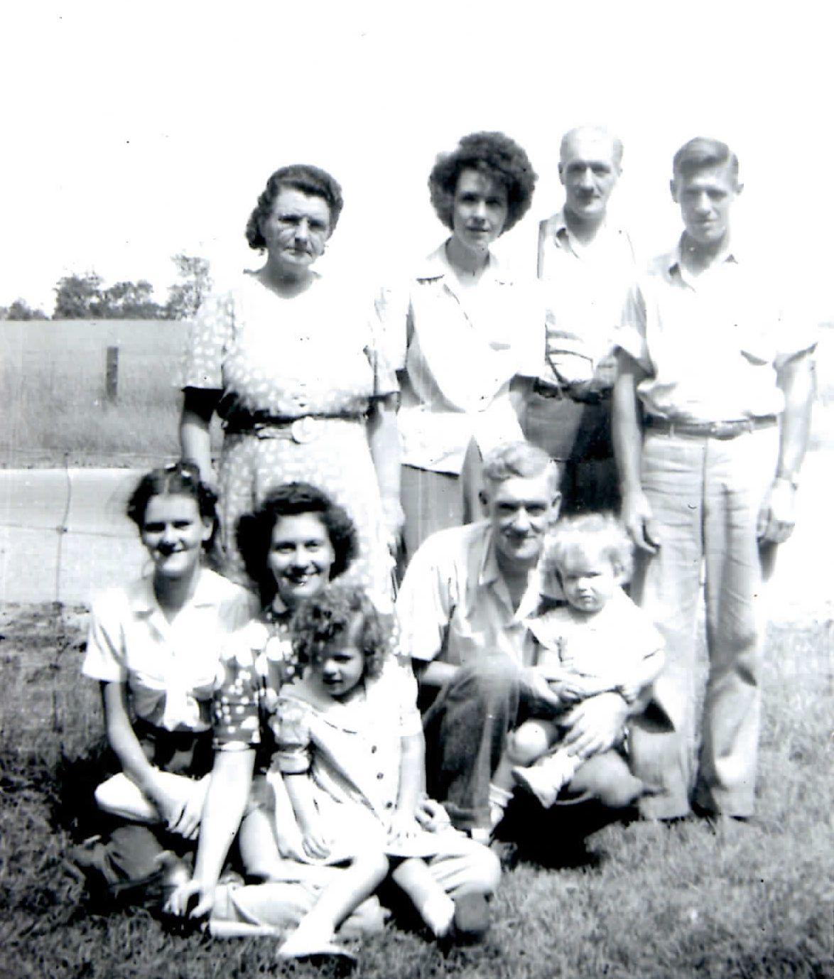 1947 Esther,Doris,Bob,John,June,Irene,Sandra,Norman&Wayne Vanvolkenburg