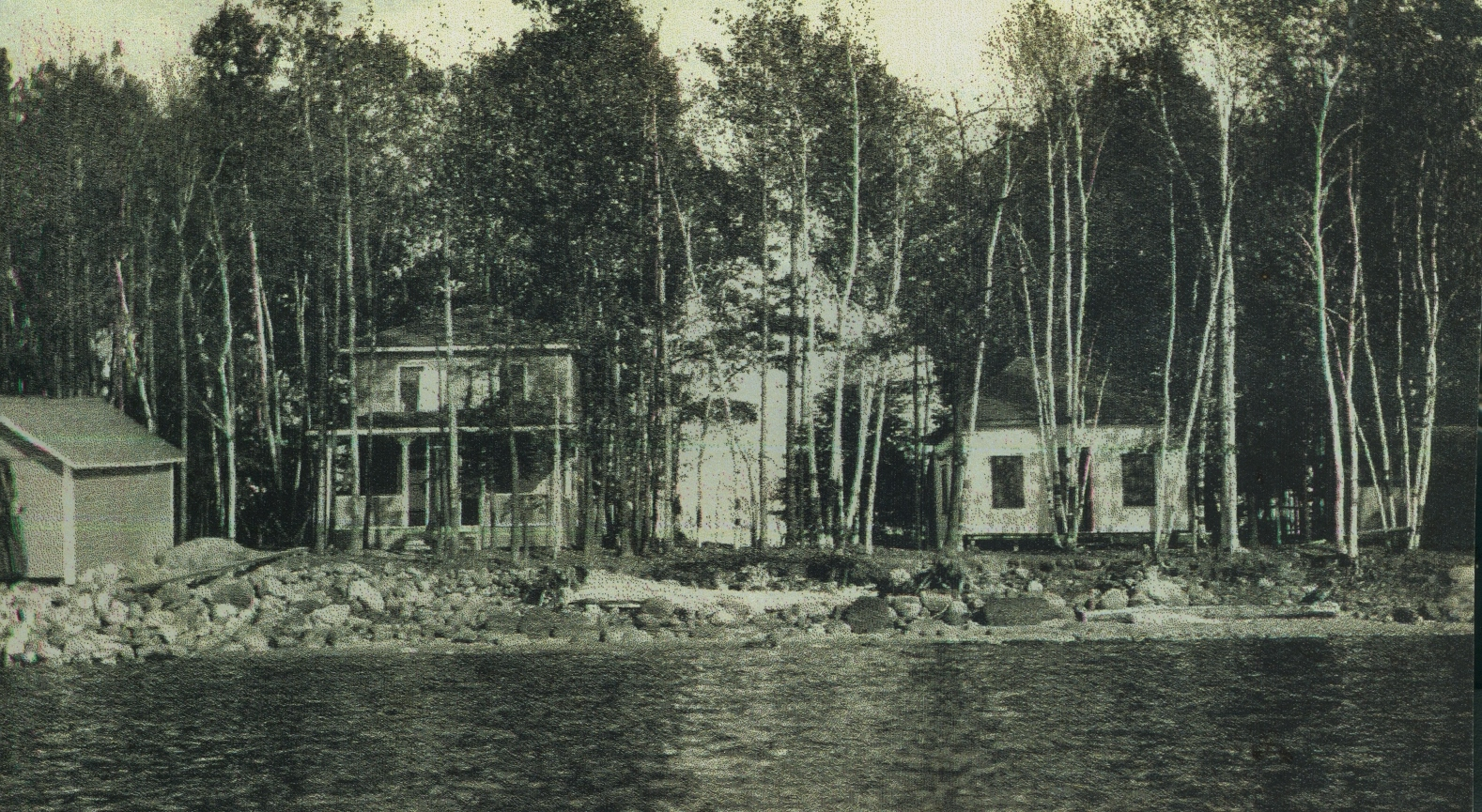Crowe Lake,  Marble Point Road,  Pink Cottage,  Morse and Murray cottages