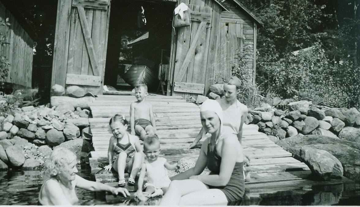Ralph Neal's Dock, Crowe Lake, Marmora