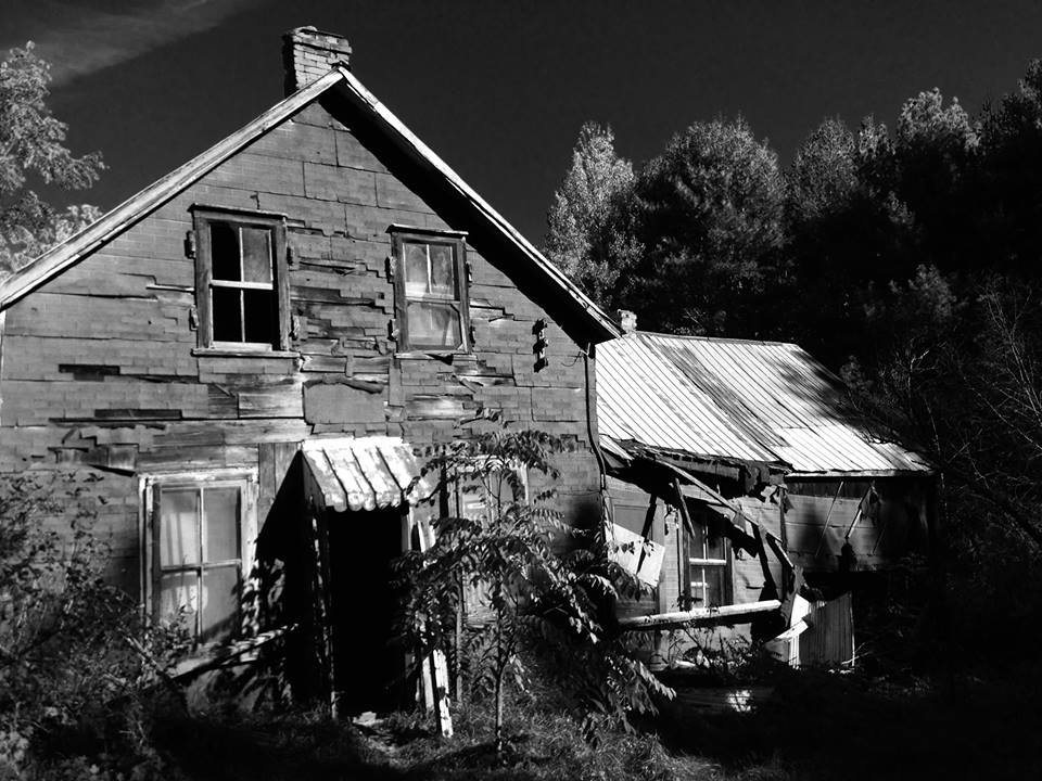 Picture of same house above, by Kristin Philpot