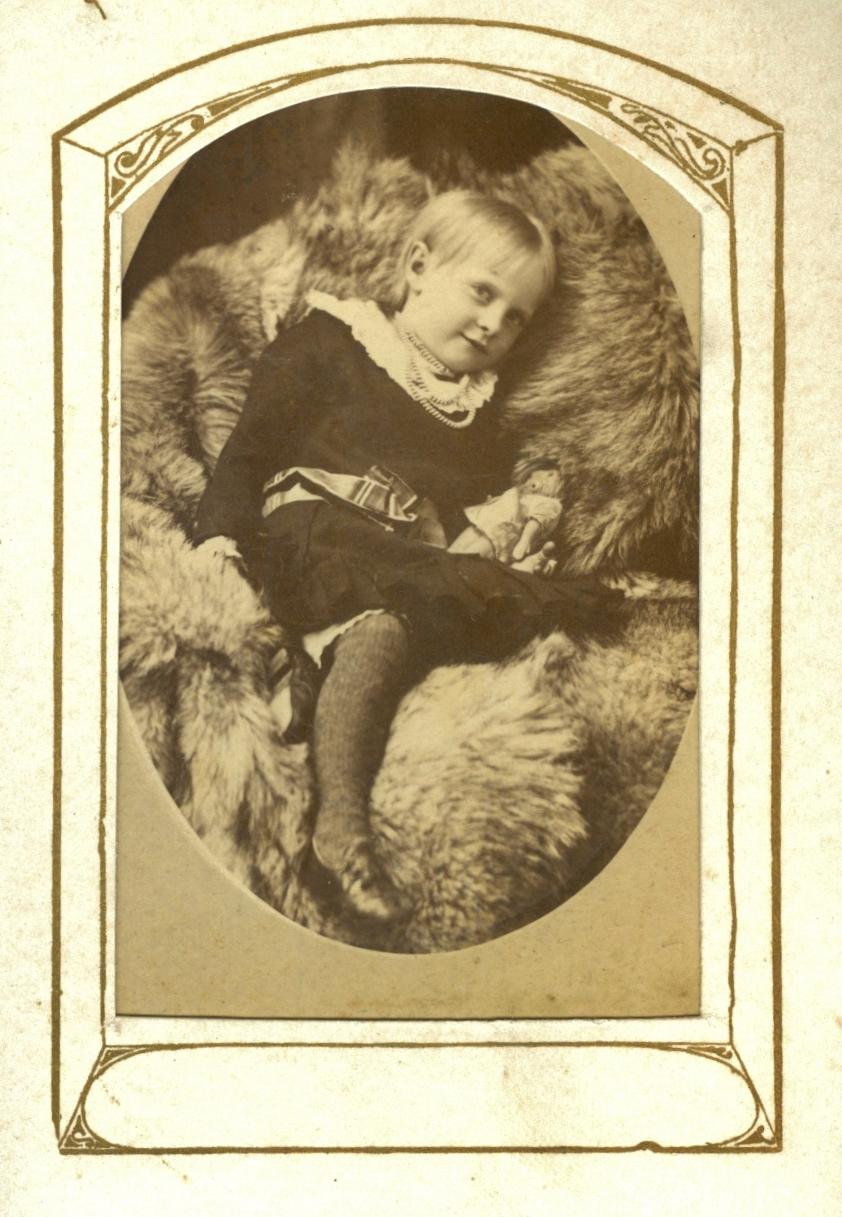 Pearce child Probably Ada Pearce.jpg