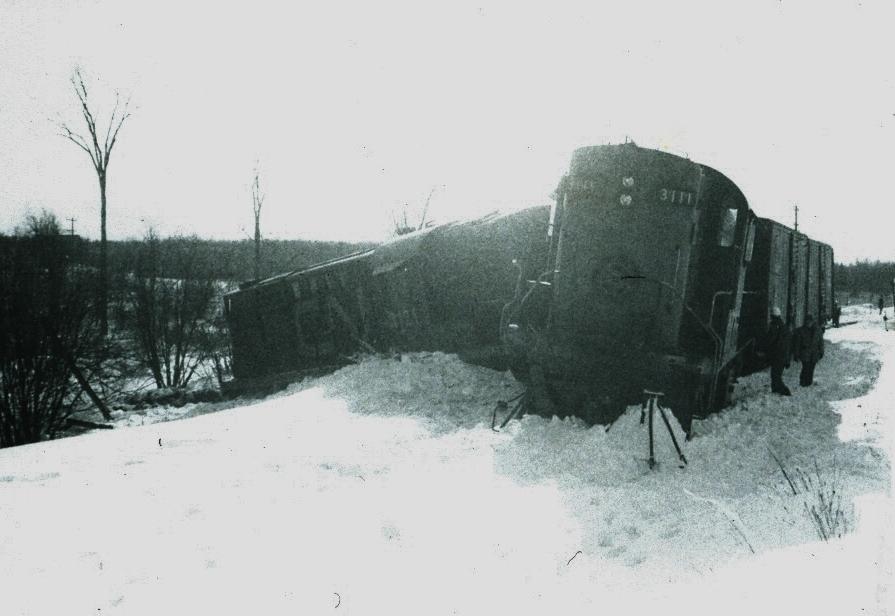 Train derailment - 1973.jpg