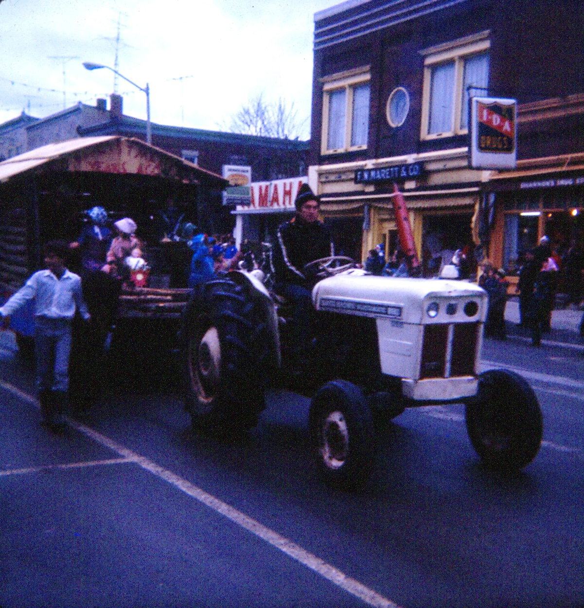 Events - Christmas parade 1977.jpg