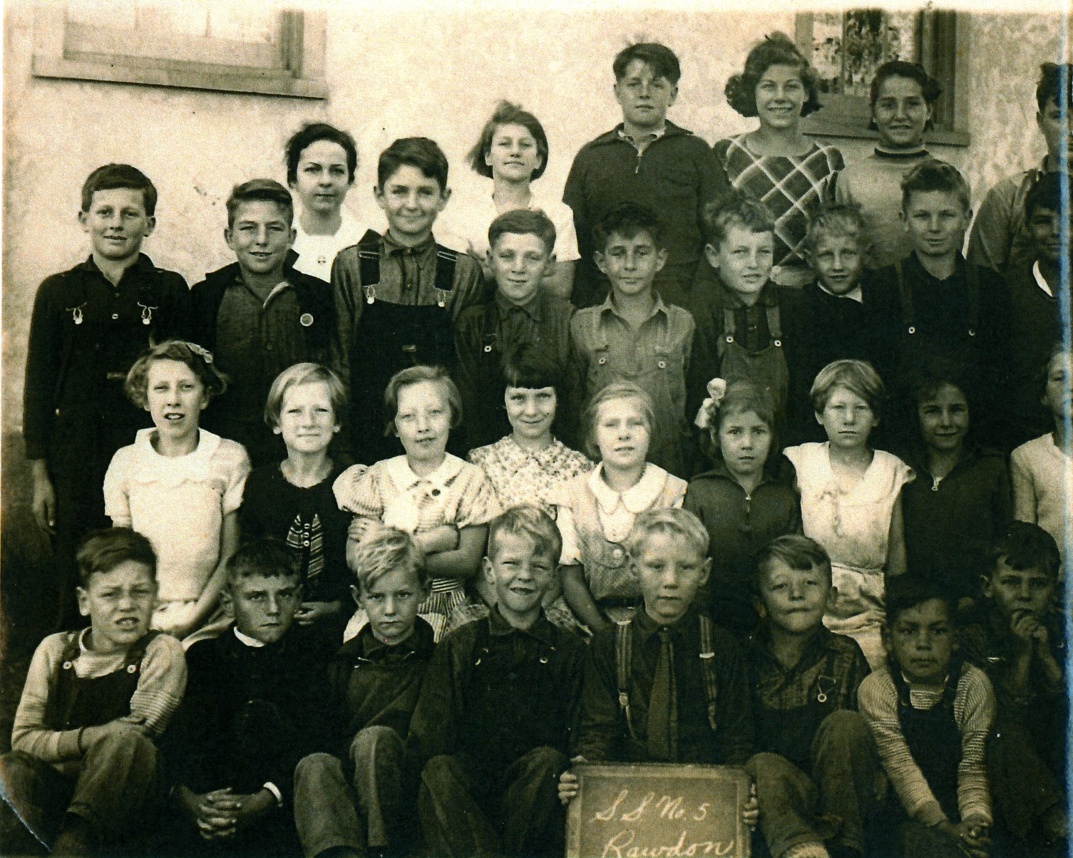 Milt Campbell...3rd / middle row second from left, Wanda McInroy top right last girl.,   Murray McInroy, brother of Wanda second row from top at the end.(.can only see half his face)