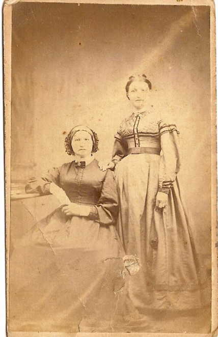 Jane Gladney Minchin Laycock, daughter Martha Laycock Robson Londry Mac Callum
