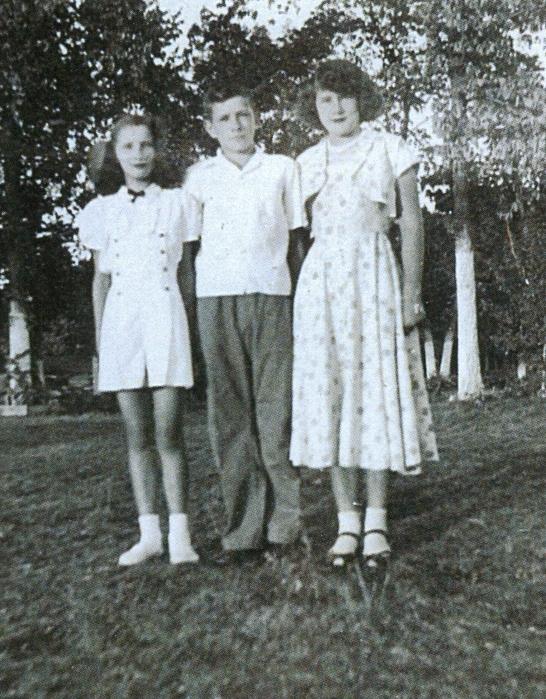 Pat, Bob and Arlene Aunger