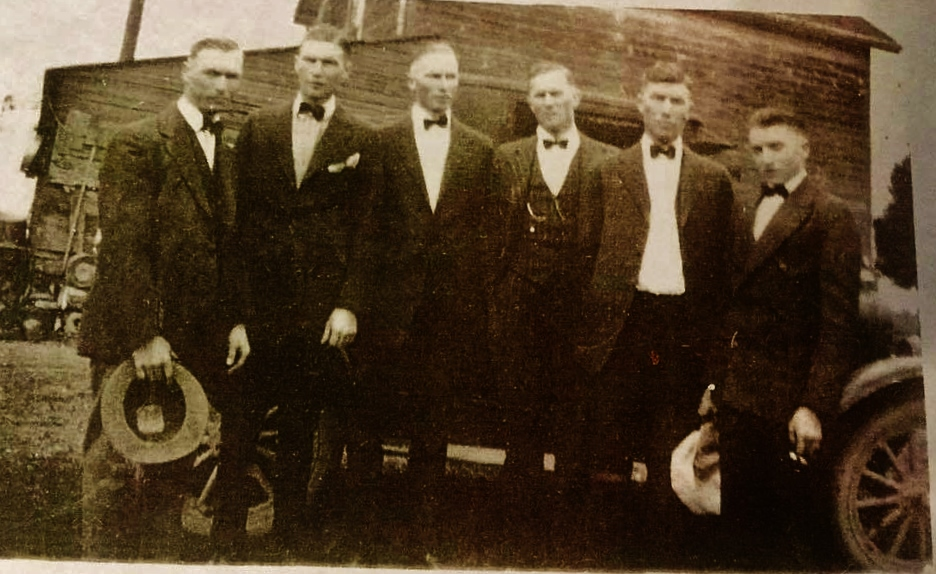 Charlie Leonard and brothers at their Mothers funeral 1927, Wm, Stephen, Charlie, James, John, Bert