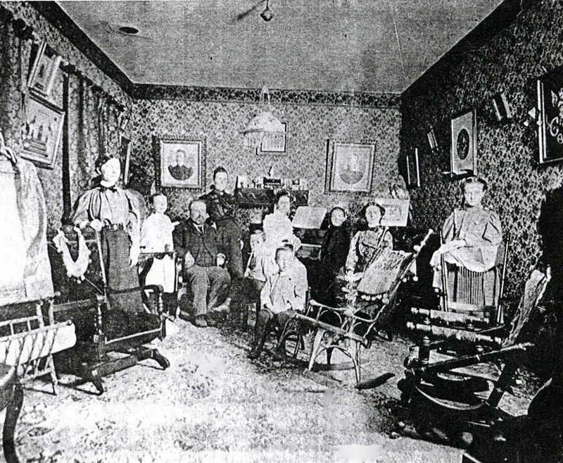 fmily photo Inside Mayor Clairmont's house in Gravenhurst