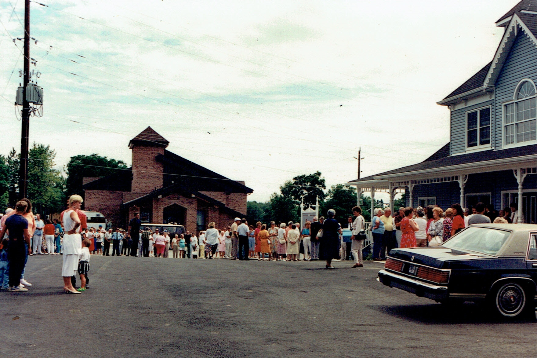 1991 Opening of Medical Centre by Dr. Dawson (7) - Copy.jpg
