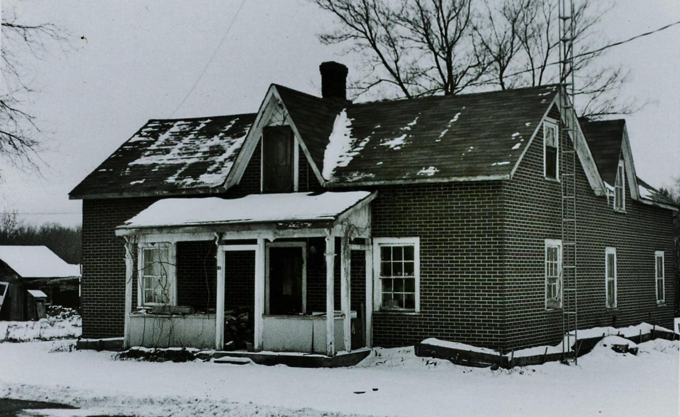 11 Main Street Home of E. Goddard, Blacksmith shop of Joseph Warren
