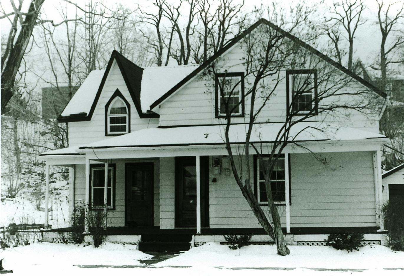Nichol House,  16 Main Street (2).jpg