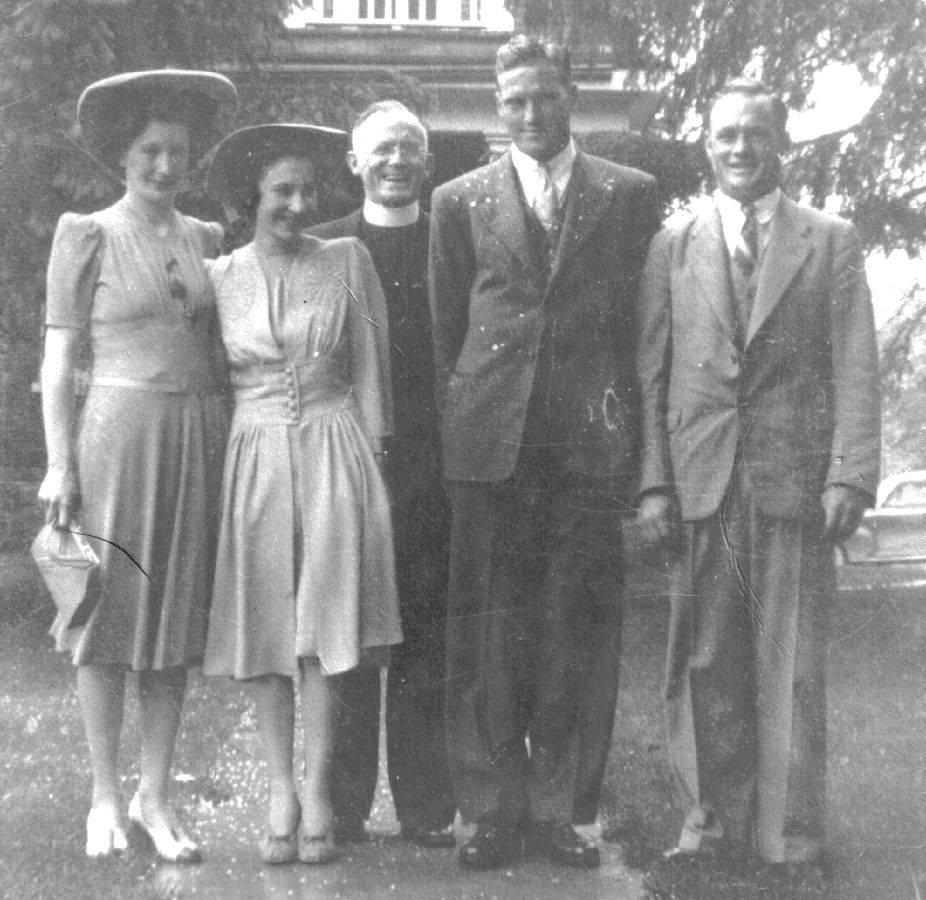 Harry Barrons and Edna Jackson 1942, Ethel Jackson sister of the bride, Everett Barrons brother of the groom.