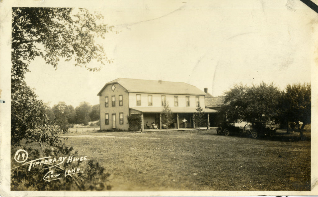 Postcard Tipperary Hotel Crowe Lake  .jpg