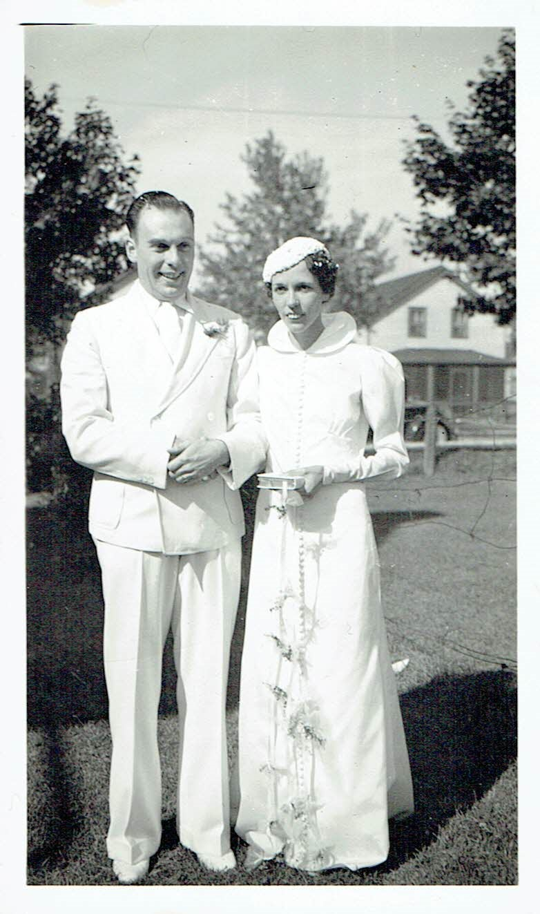 Arnold Jones Helen Gladney wedding.jpg