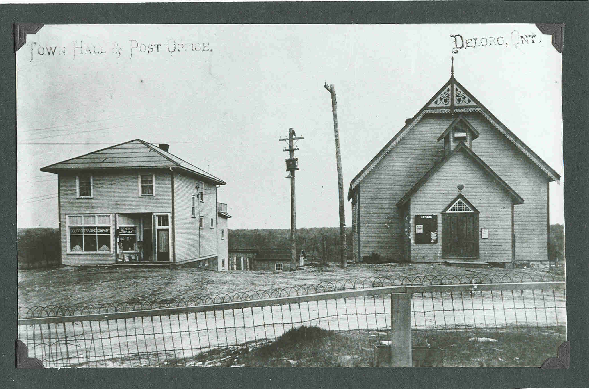 Deloro General Store, Post office  and Town Hall.jpg