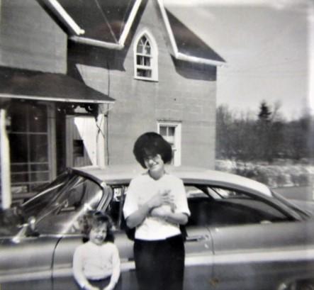 Bev Hay Stanwood store, c.1963