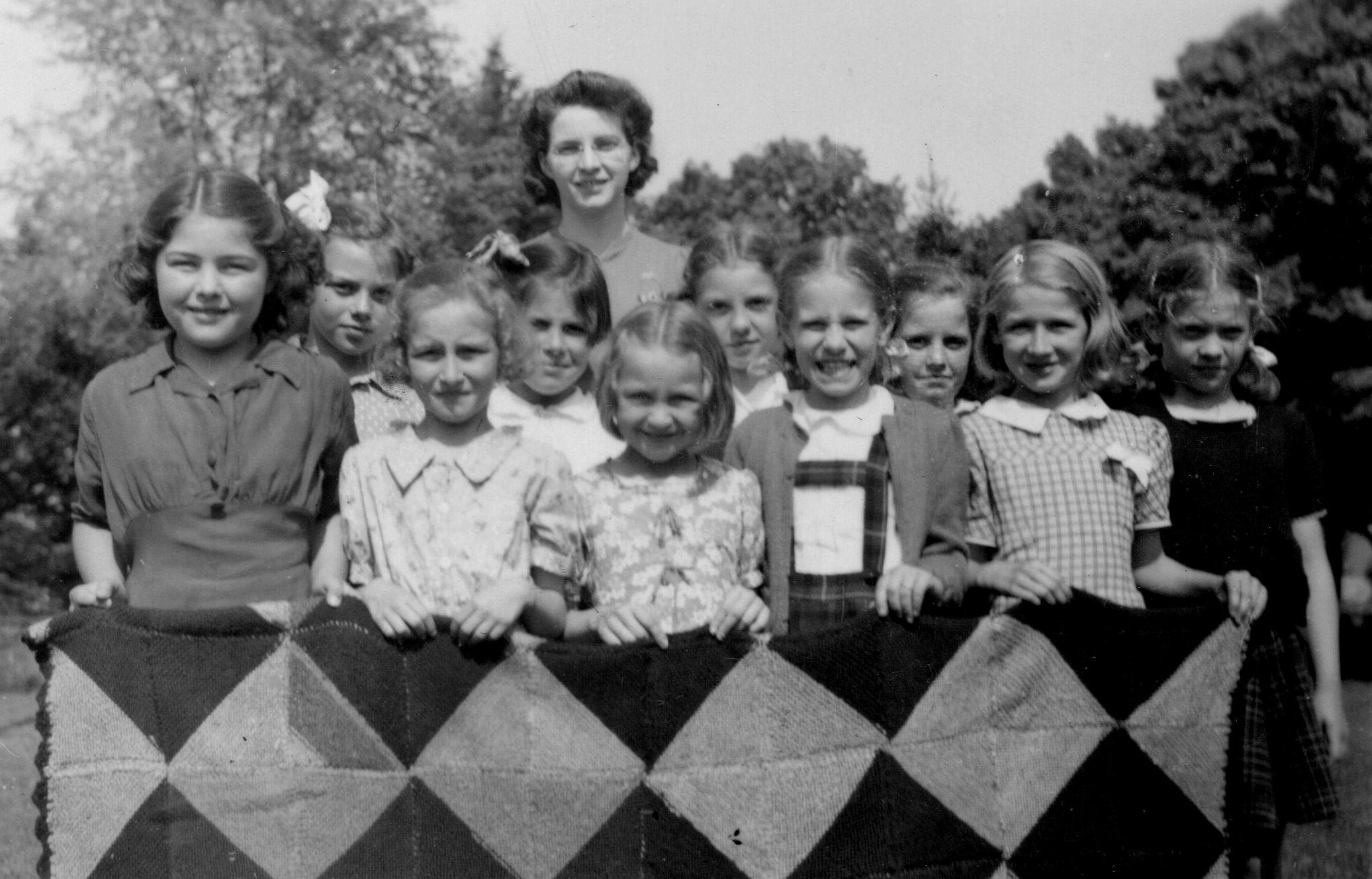 Deloro Public School 1943, Home Economics class..jpg