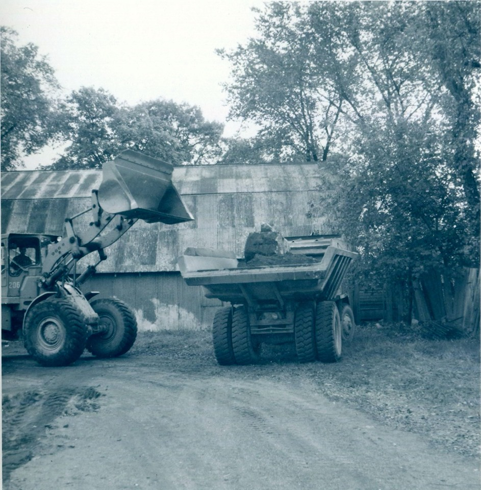Construction of the Dr. Hamilton Crawford arena,1948 2.jpg