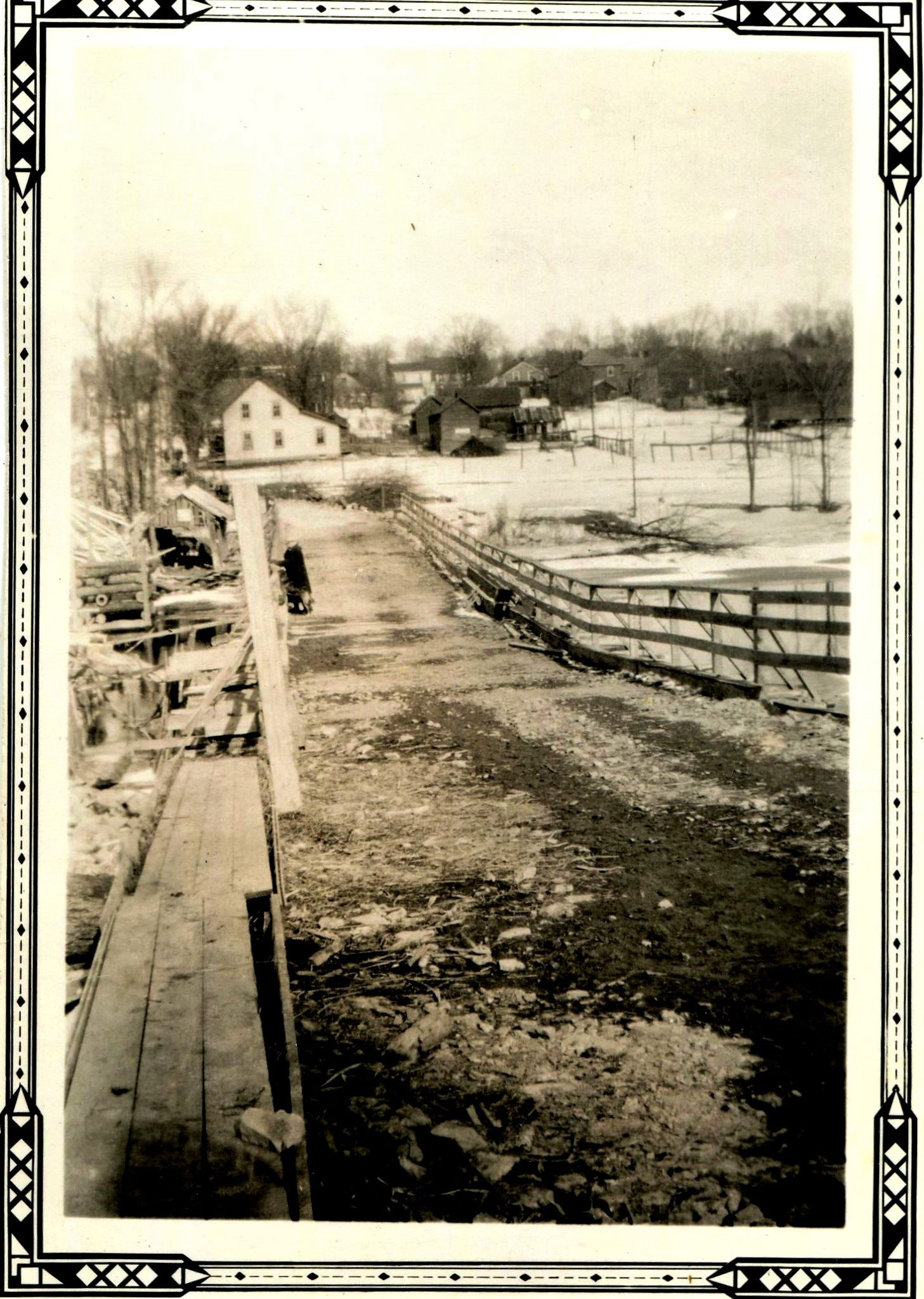 The temporary bridge 1932