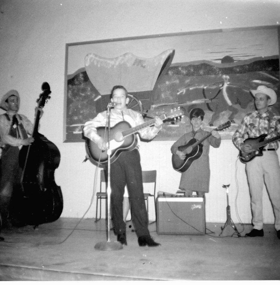 Randy Warren, Jimmy Ellis on right. Town Hall