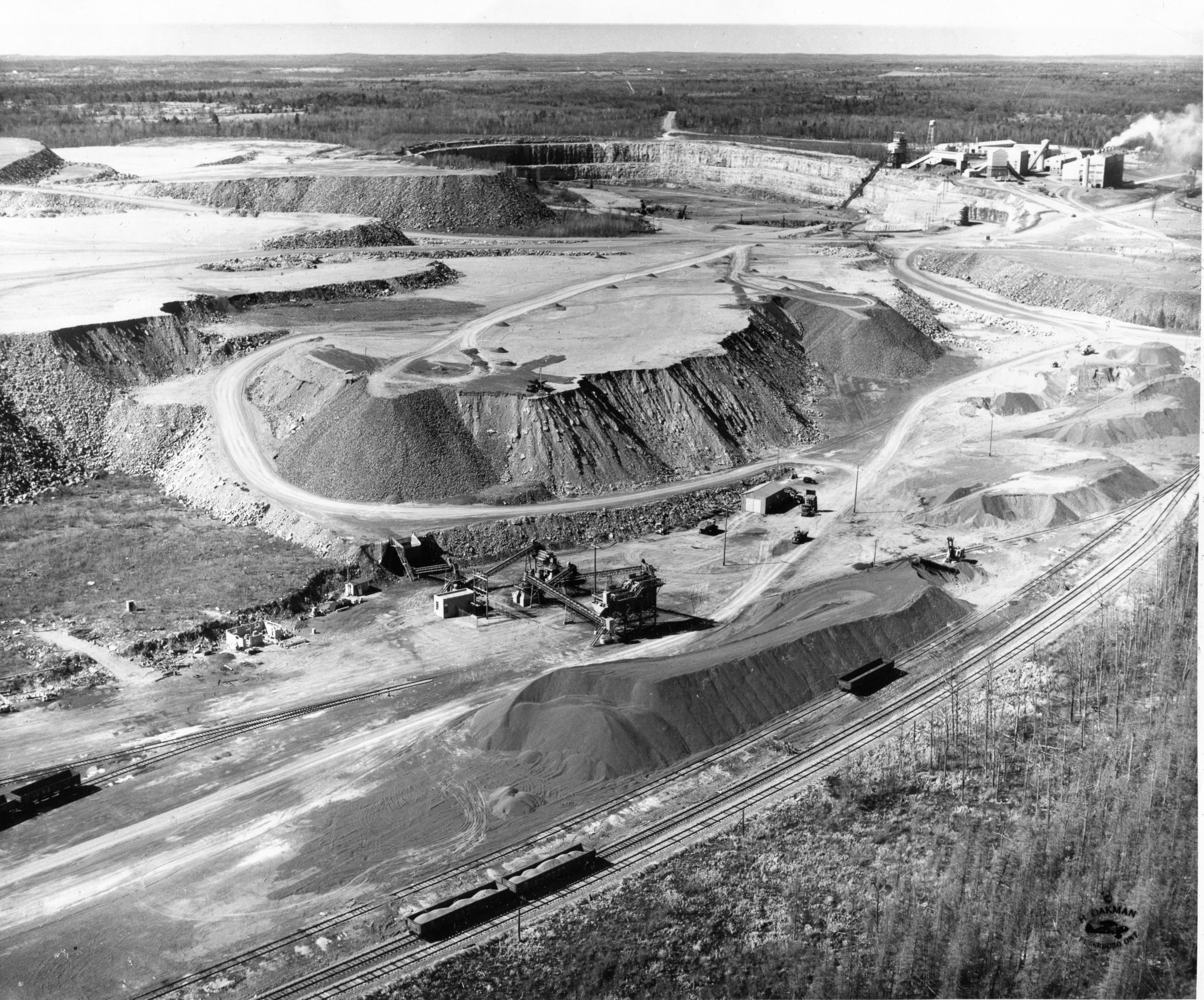 H.R.Oakman photo, Marmoraton mine, 1957