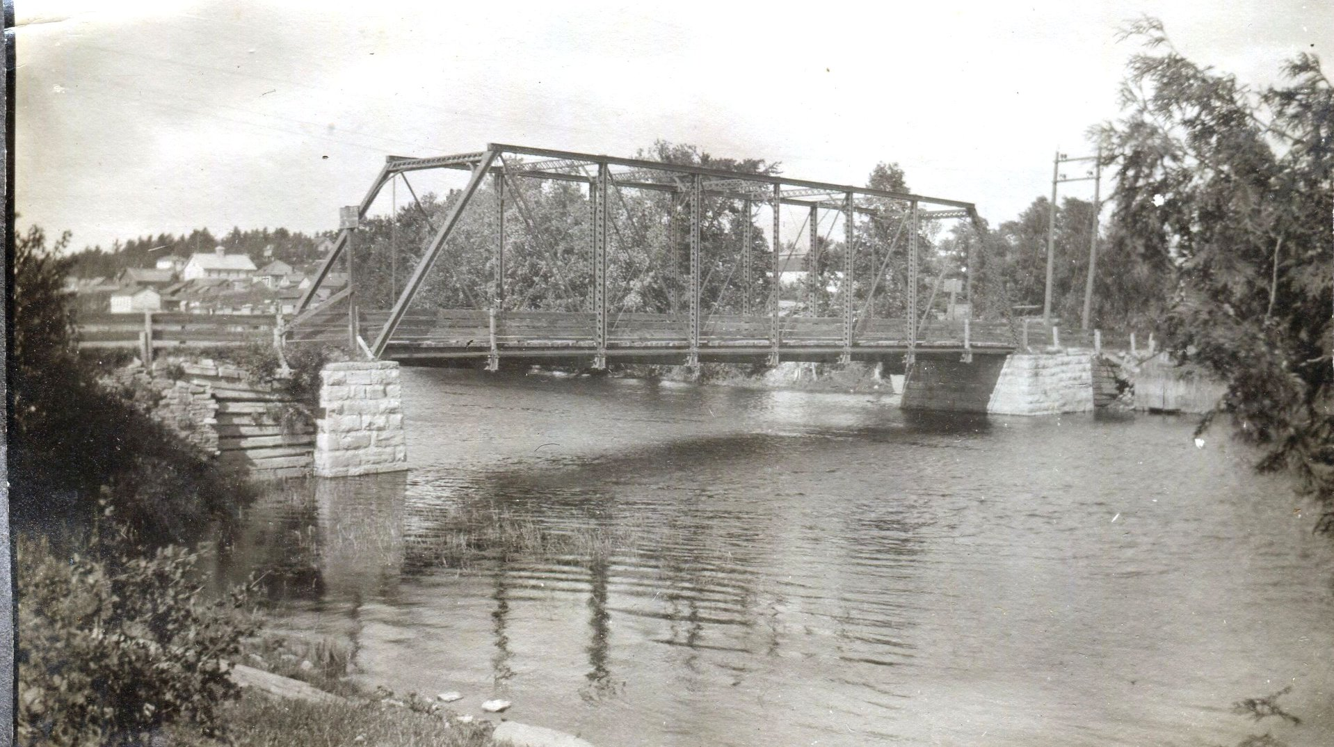 Bridge over Crowe River pre 1932