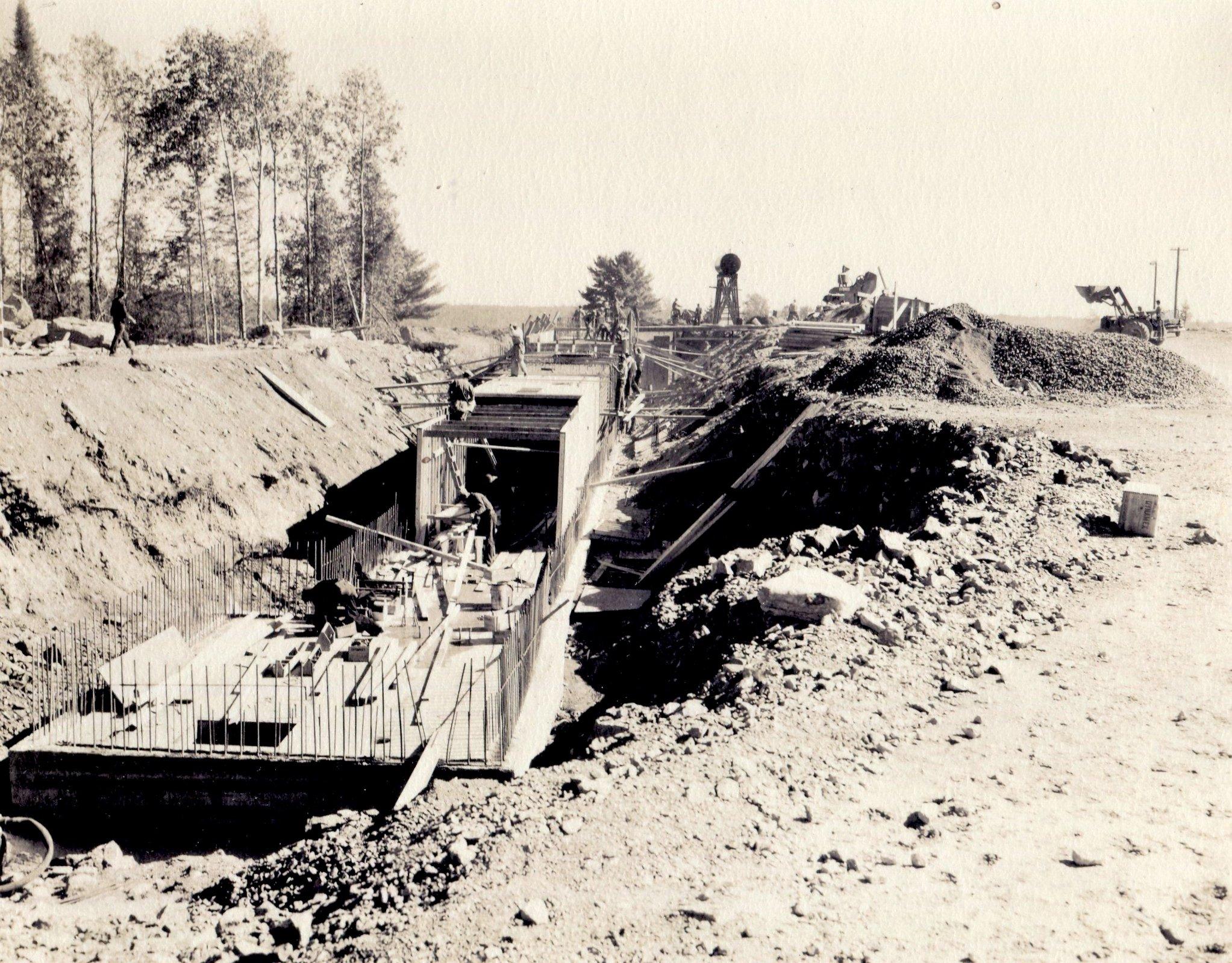Ore storage tunnel 1953