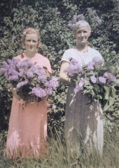 Mary Thompson & Hilda.jpg