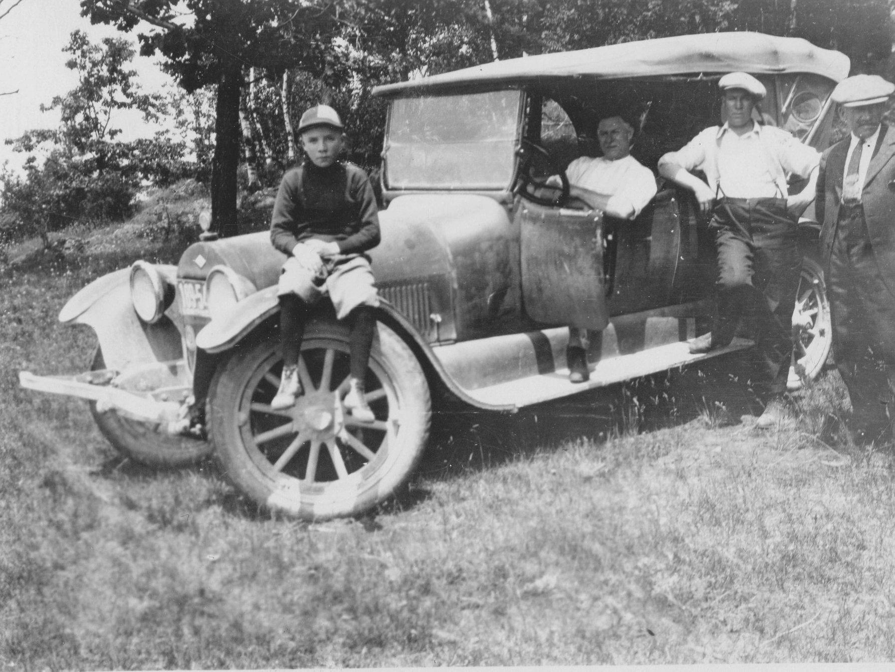 Wm Sanderson vehicle