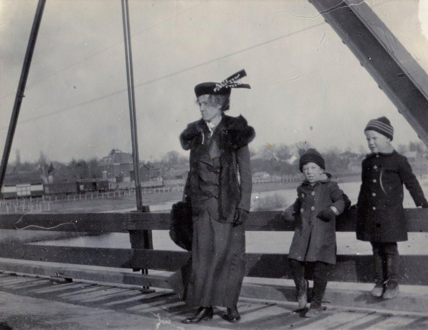 Mrs. William Sanderson with sons, Dougold and Magee   c.1913
