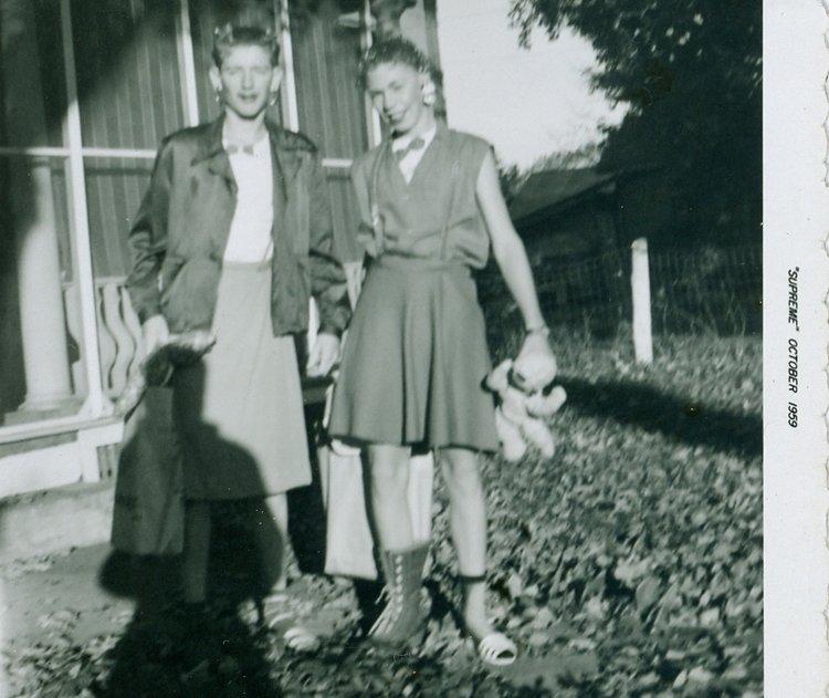 Alan Grant and David Hunt 1959 Higth school initiation.png