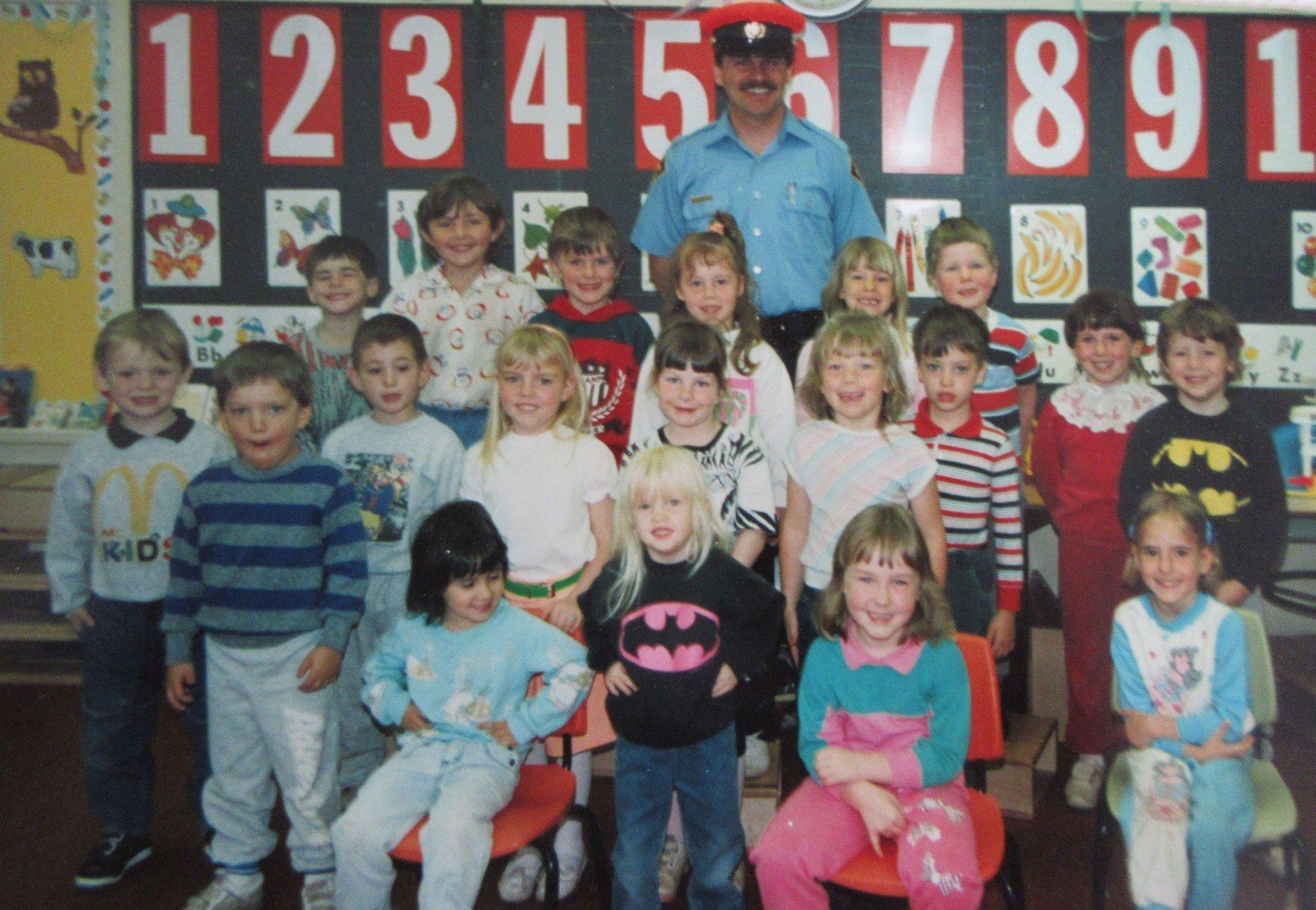 Earl Prentice School 1989-90.jpg