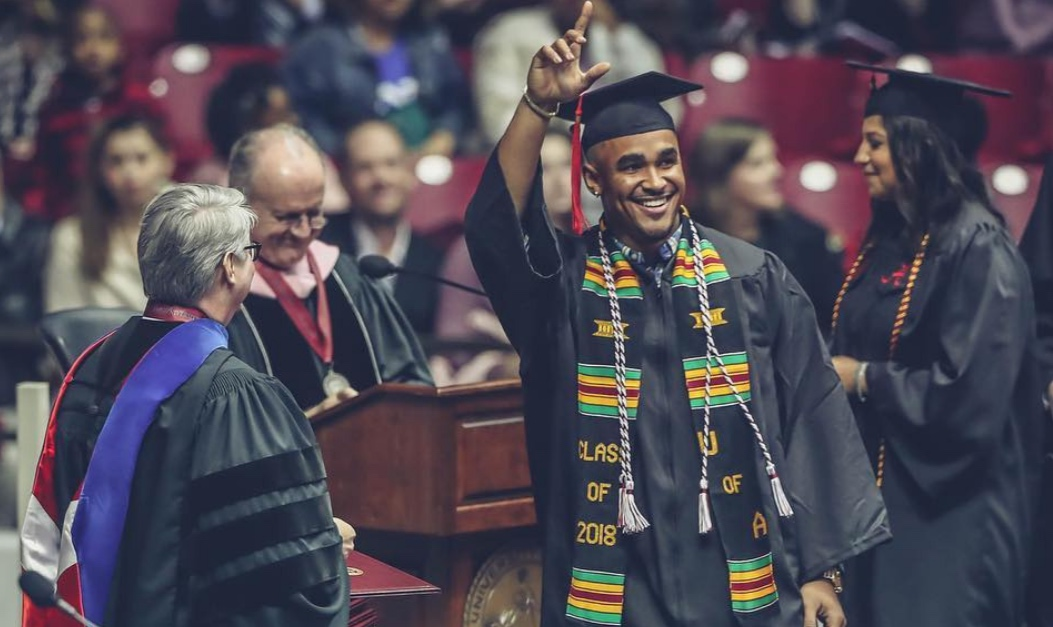 Jalen-Hurts-Graduation.jpg