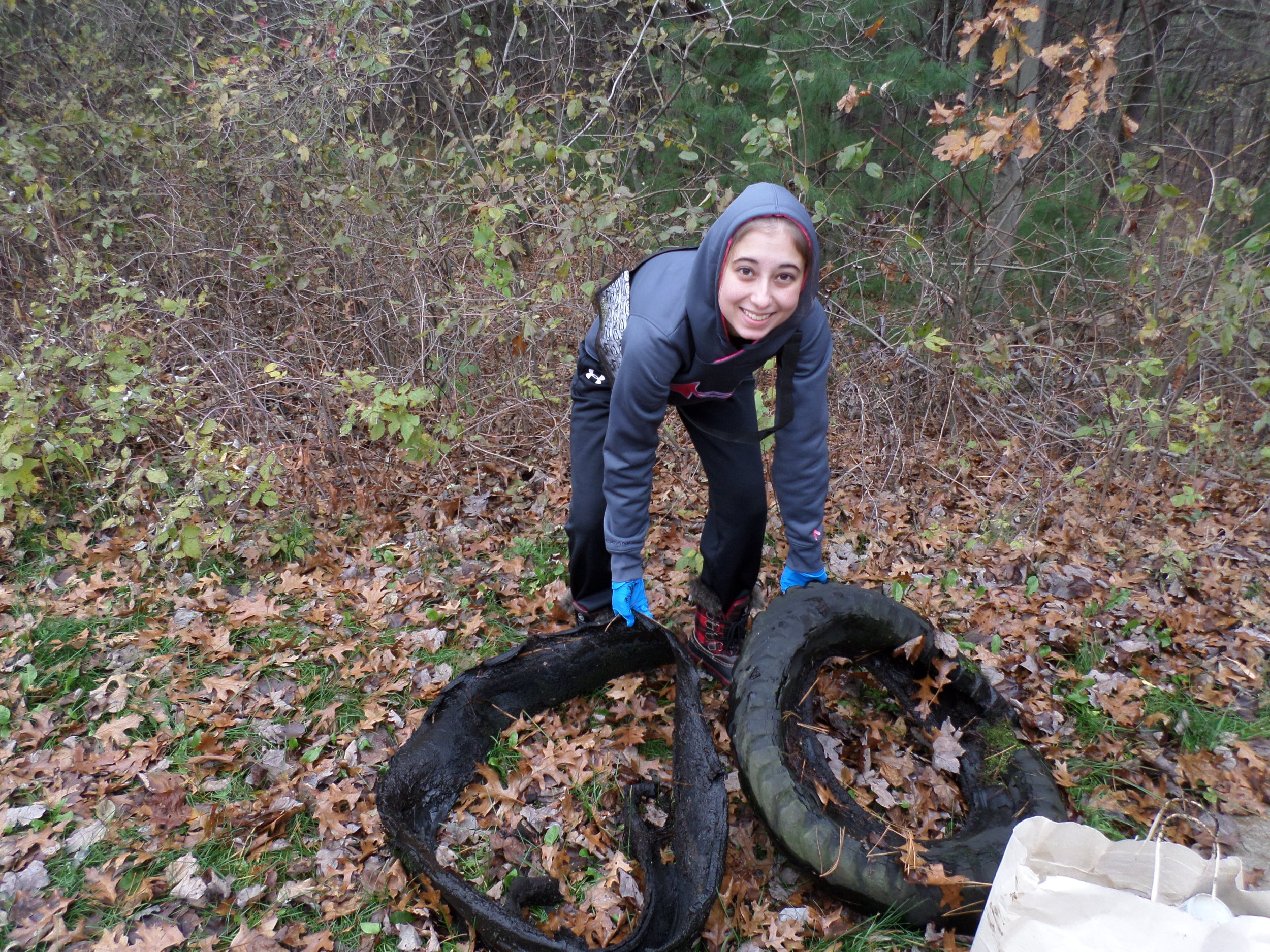 Alaina Steinmetz organized a cleanup in her Wisconsin community. No matter where you live, you can help care for the ocean by cleaning up trash.