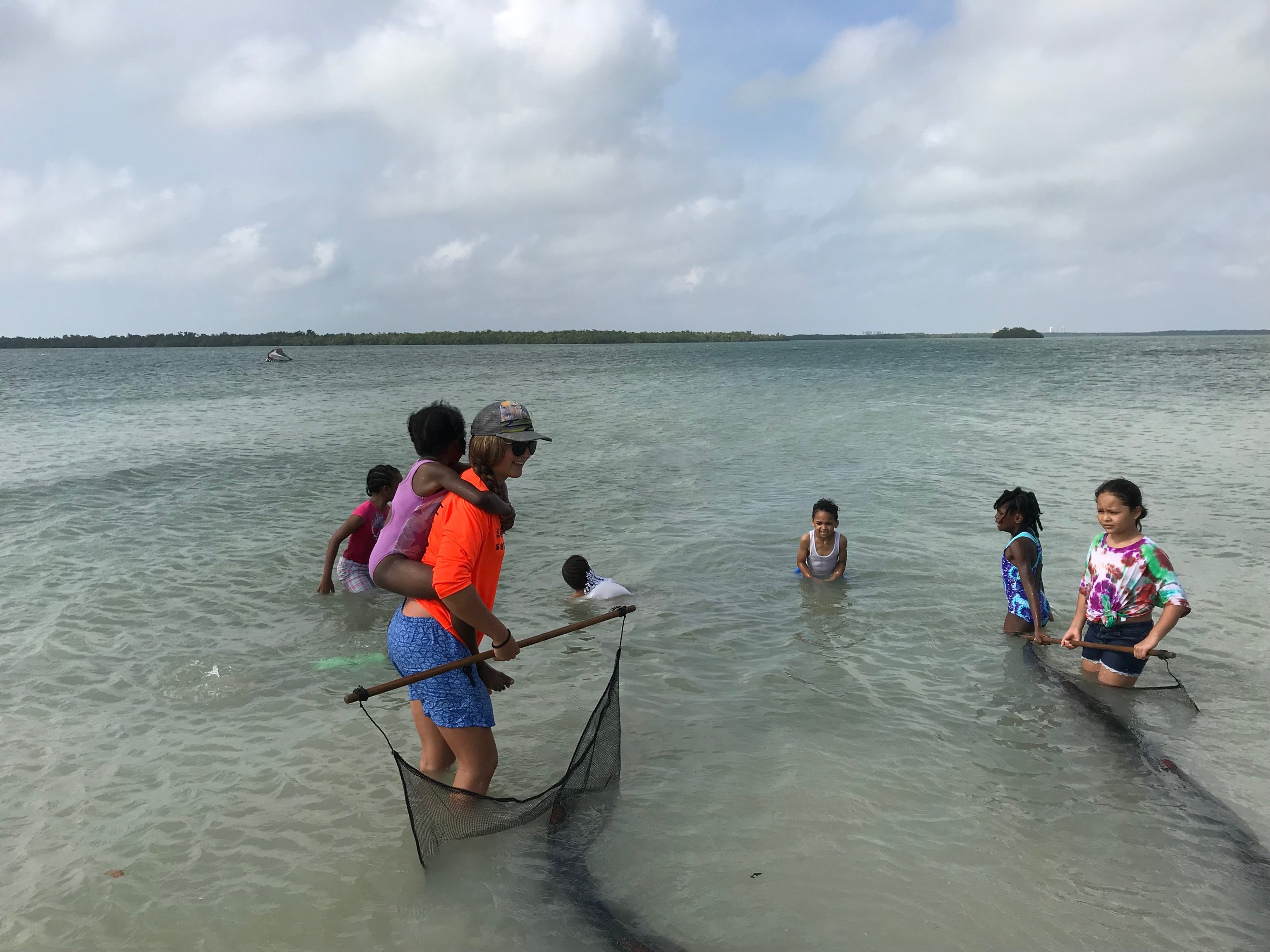Char Cadow used a seine net with CCSWFL students.