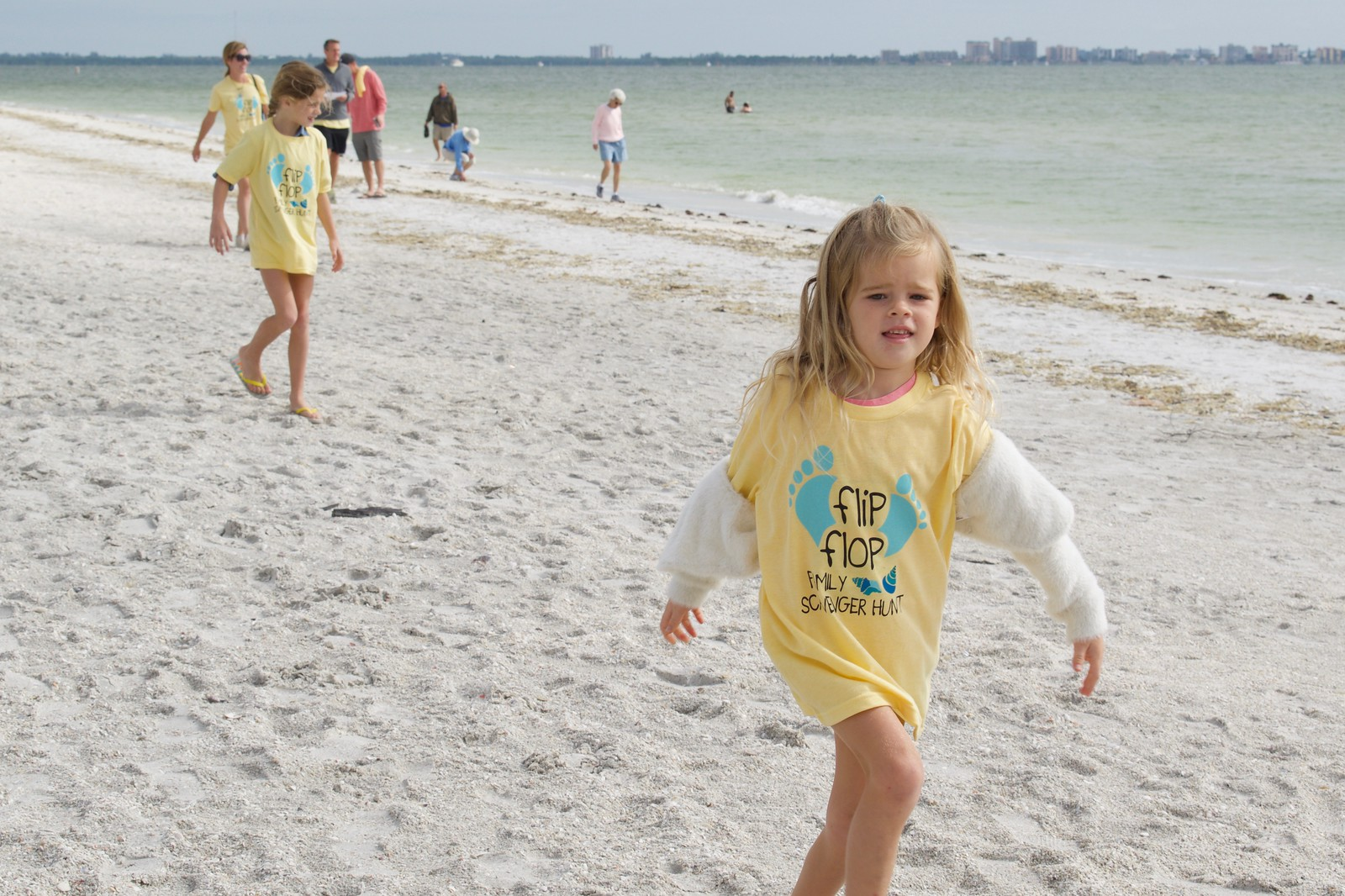 Kate and On Island helped Sanibel Sea School produce a special edition t-shirt for the first annual Flip Flop Family Scavenger Hunt in 2018.