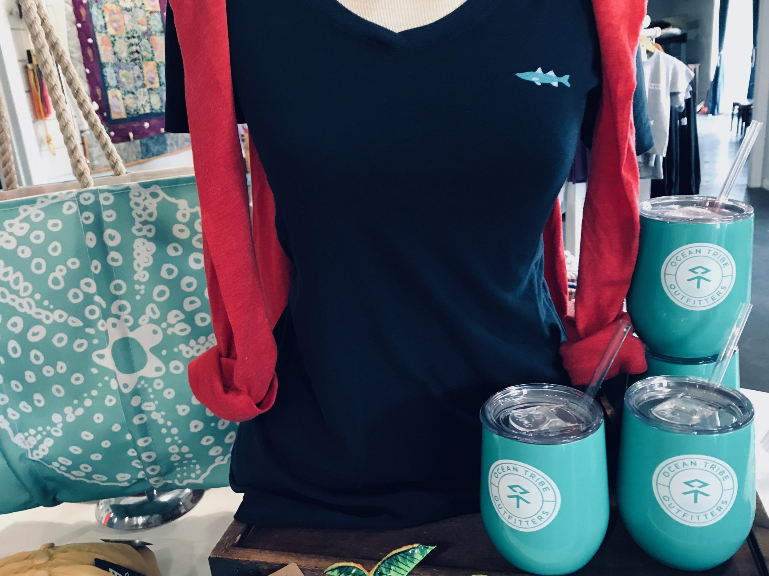 Insulated reusable cups are perfect for sipping your favorite beverage on the boat or beach.
