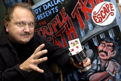 Magician Escape Artist Andy Dallas