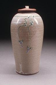 Baige_Vase.jpg