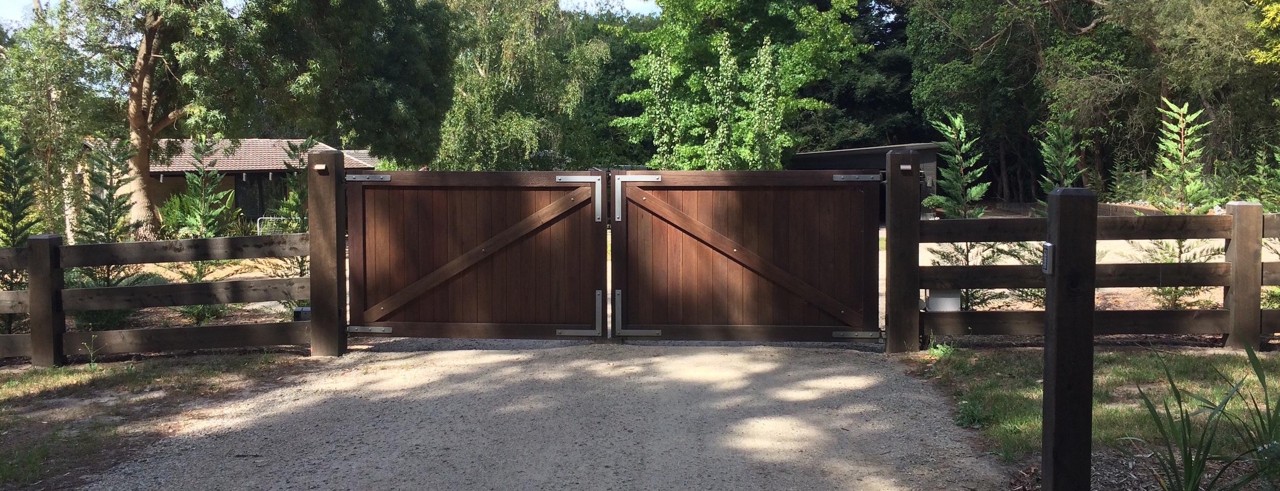 Peninsula Timber Gates.jpg