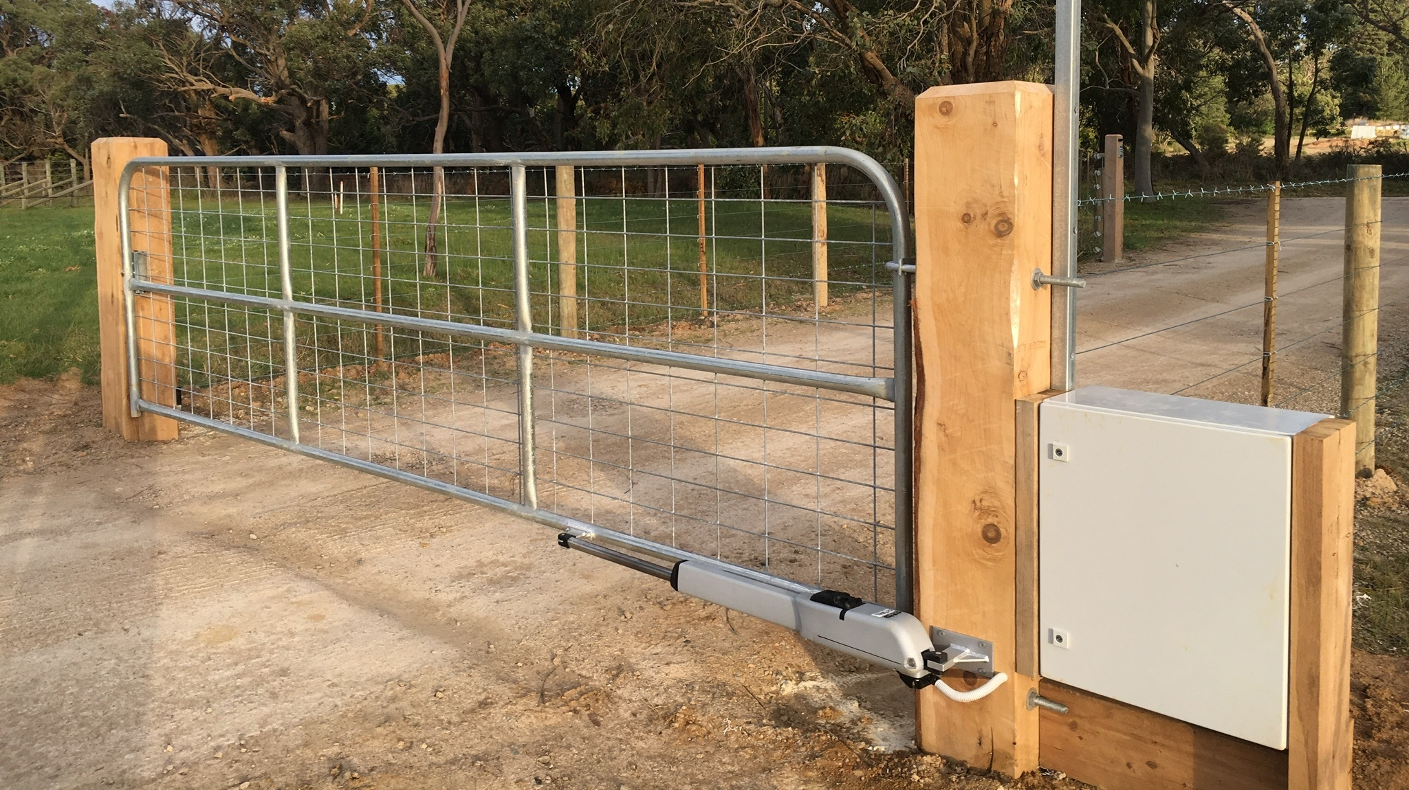 Commercial Gate Motors | Peninsula Timber Gates