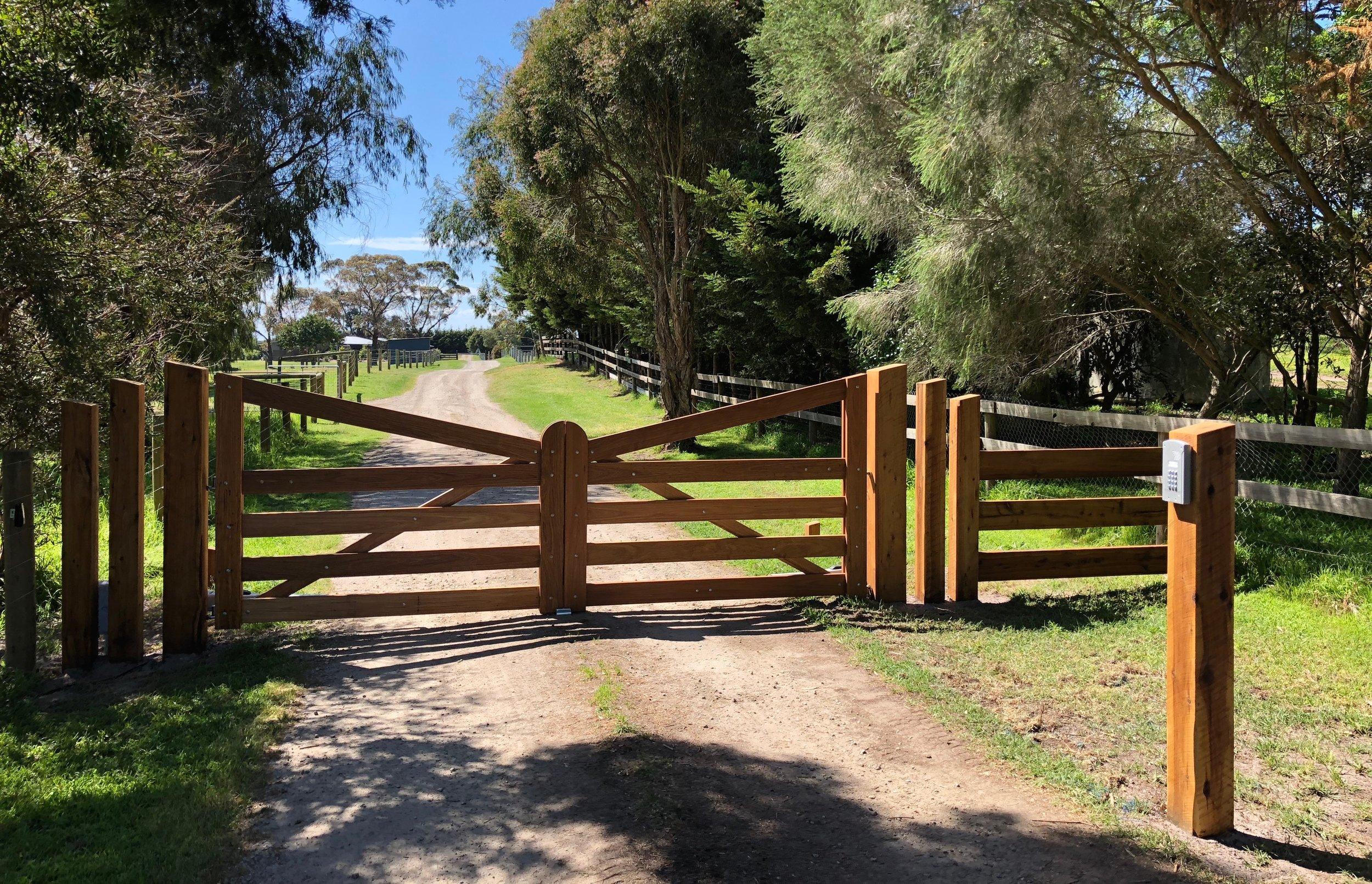 Peninsula Timber Gates